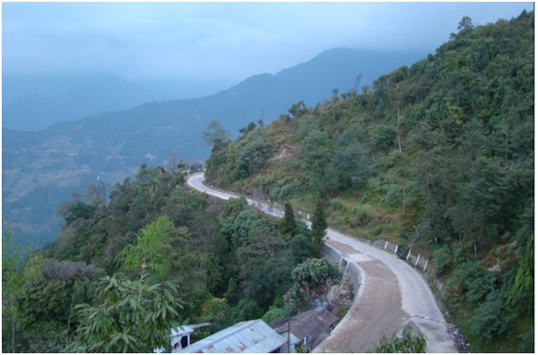 The road on the way to Darjeeling