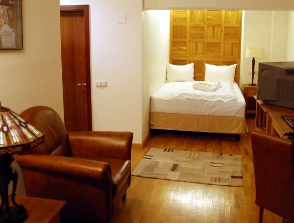 Rembrandt Hotel room