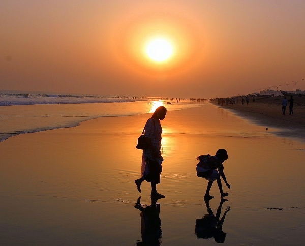 A mother and child at Puri