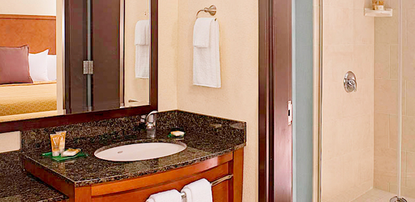 Hyatt Place Pittsburgh-North Shore bathroom