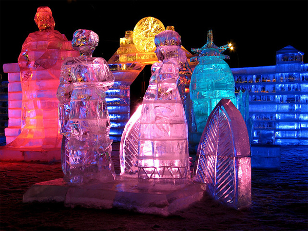Russian tale. Ice sculpture - Moscow 2006