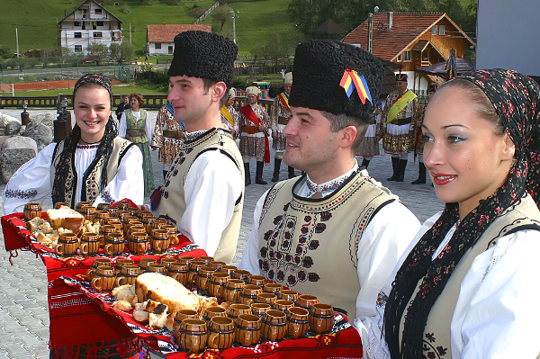 A traditional Romanian welcome