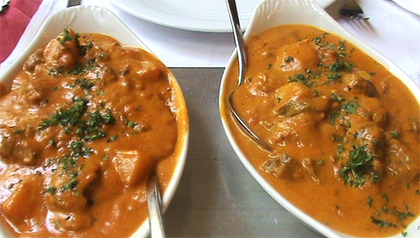 We enjoyed a delicious lamb-curry - mega spicy for wifey, 'coz she deserves it!