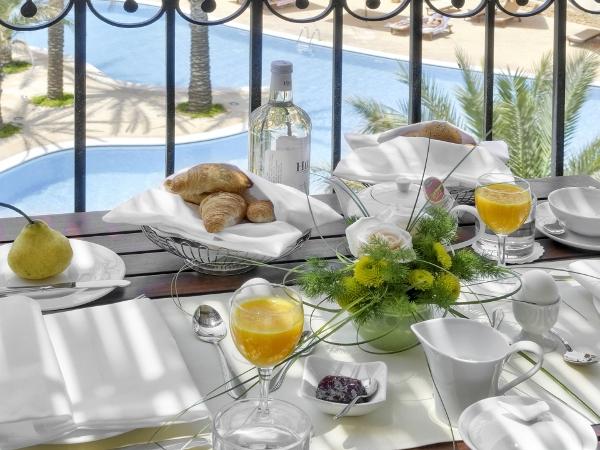 Room service - courtesy Kempinski Hotel San Lawrenz