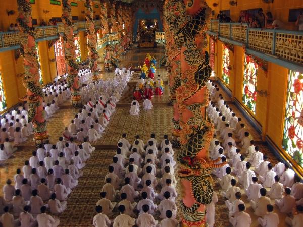 Cao Daism followers at Cao Dai temple