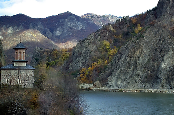 Mountain scenery: what spells divine? The Church, or the Carpathians?