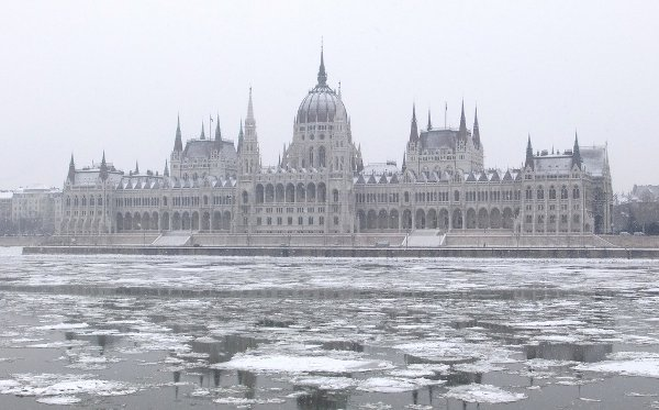 The Danube freezing in Budapest