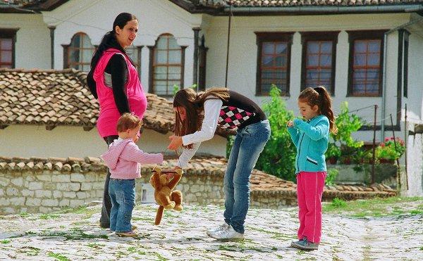 Berat kids courtesy Stanislav Lvovsky.