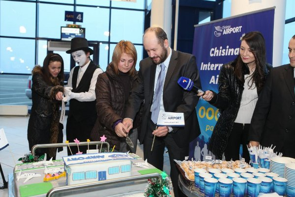 1000 000th passenger in Chisinau Intl Airport! December 15, 2011