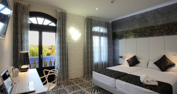 A room at Petit Palace Lealtad Plaza