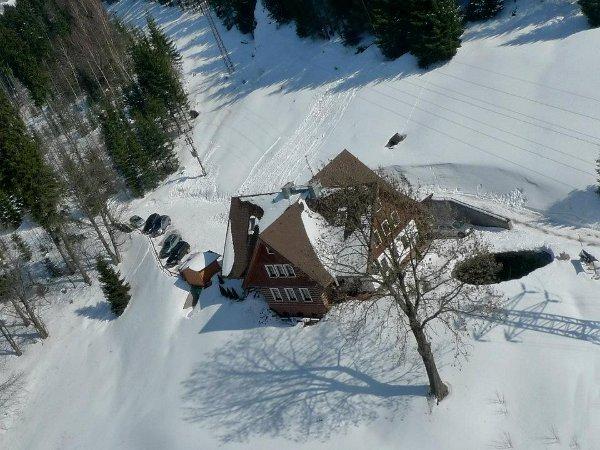 Deep snow at Špindlerův Mlýn