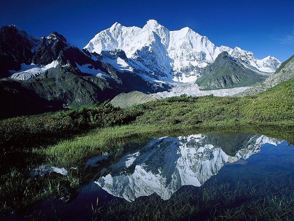 Chomolonzo Peak, Kangshung Glacier, Tibet