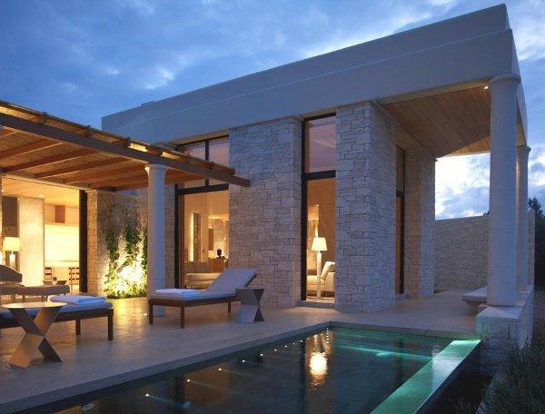 Amazoe Pavilion pool, night view