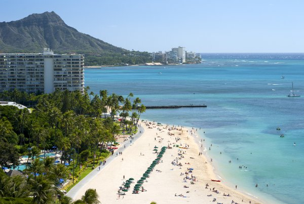 Waikiki - courtesy © PL3 - Fotolia.com