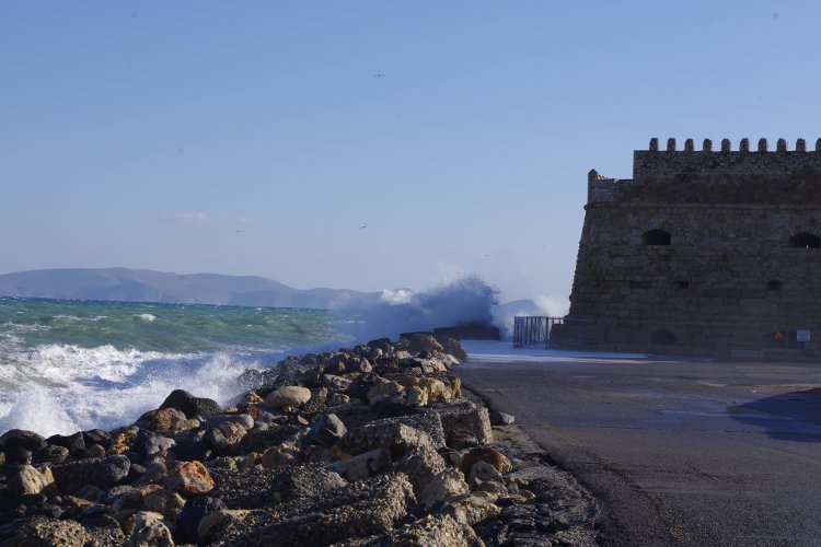 Dia Island in the background of Heraklion's Venetian Fortress