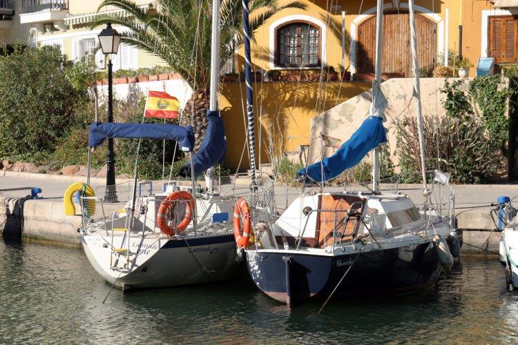 Port Saplaya - Alboraya (Valencia) Spain© Pakmor