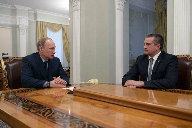 Russian President Vladimir Putin meets with Sergei Aksyonov - Kremlin