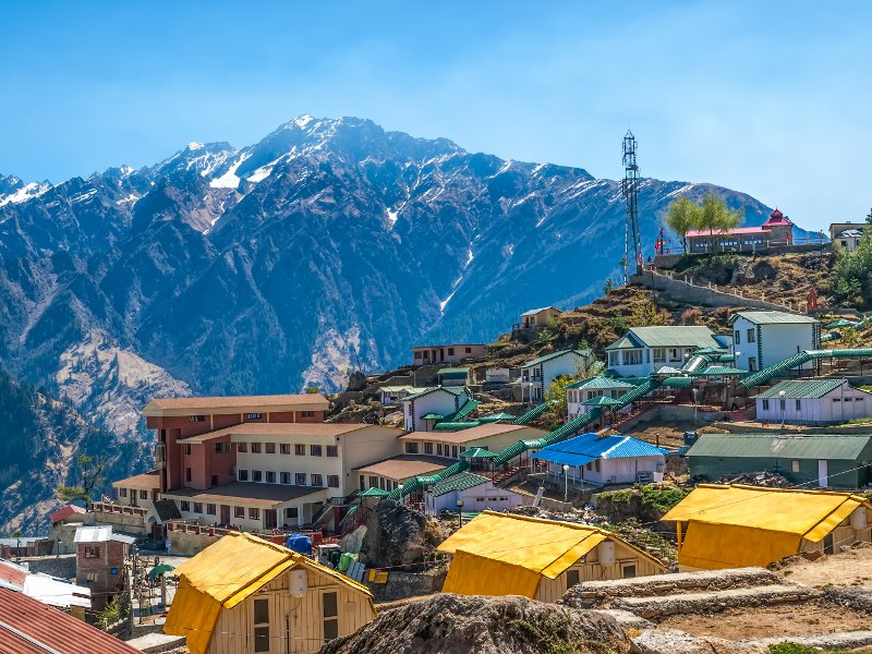 Mountain camp - Himalayas© Dario Bajurin