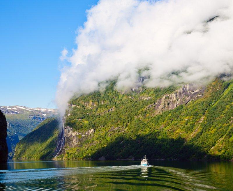 Geirangerfjord© Dmitry Naumo