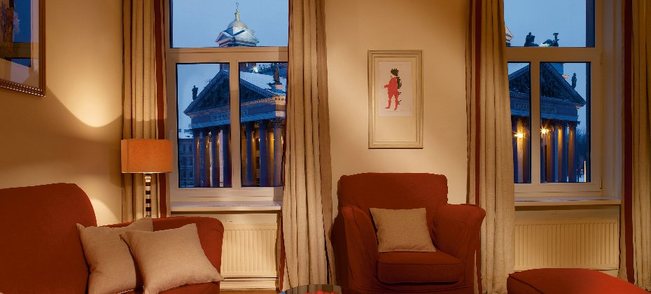 The Deluxe suite at Angleterre Hotel