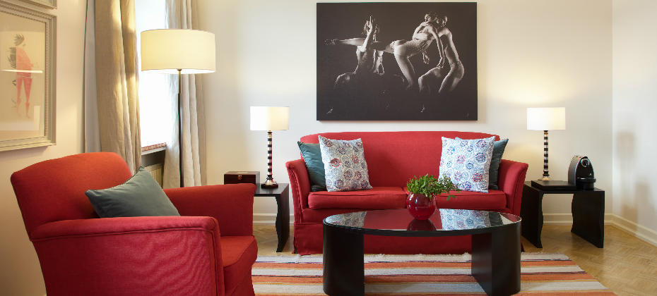 A Junior Suite at Angleterre Hotel