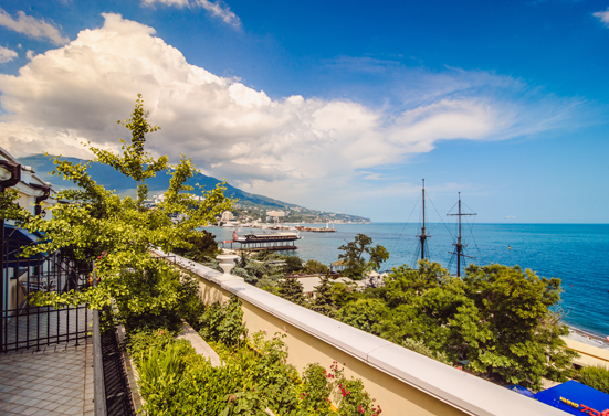The luxurious Oreanda Hotel in Yalta - a week for the price of one night in downtown Paris.