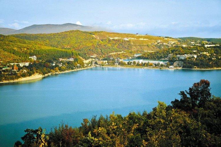 Abrau-Dyurso winery on the lake.