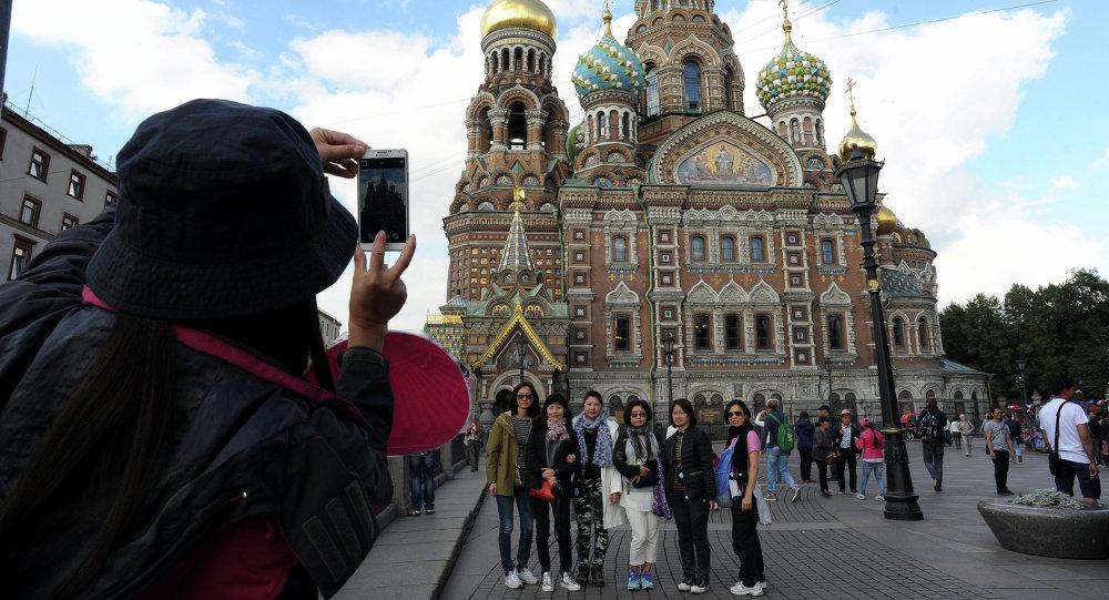 Αποτέλεσμα εικόνας για Russia  'Red Tourists' from China