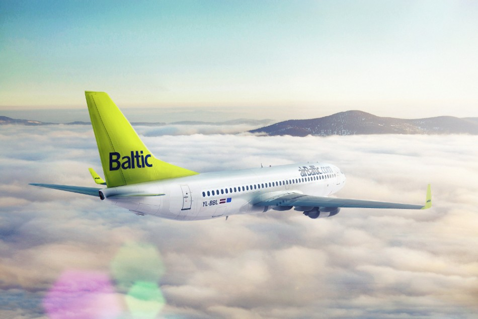 Boeing 737-300 Via airBaltic