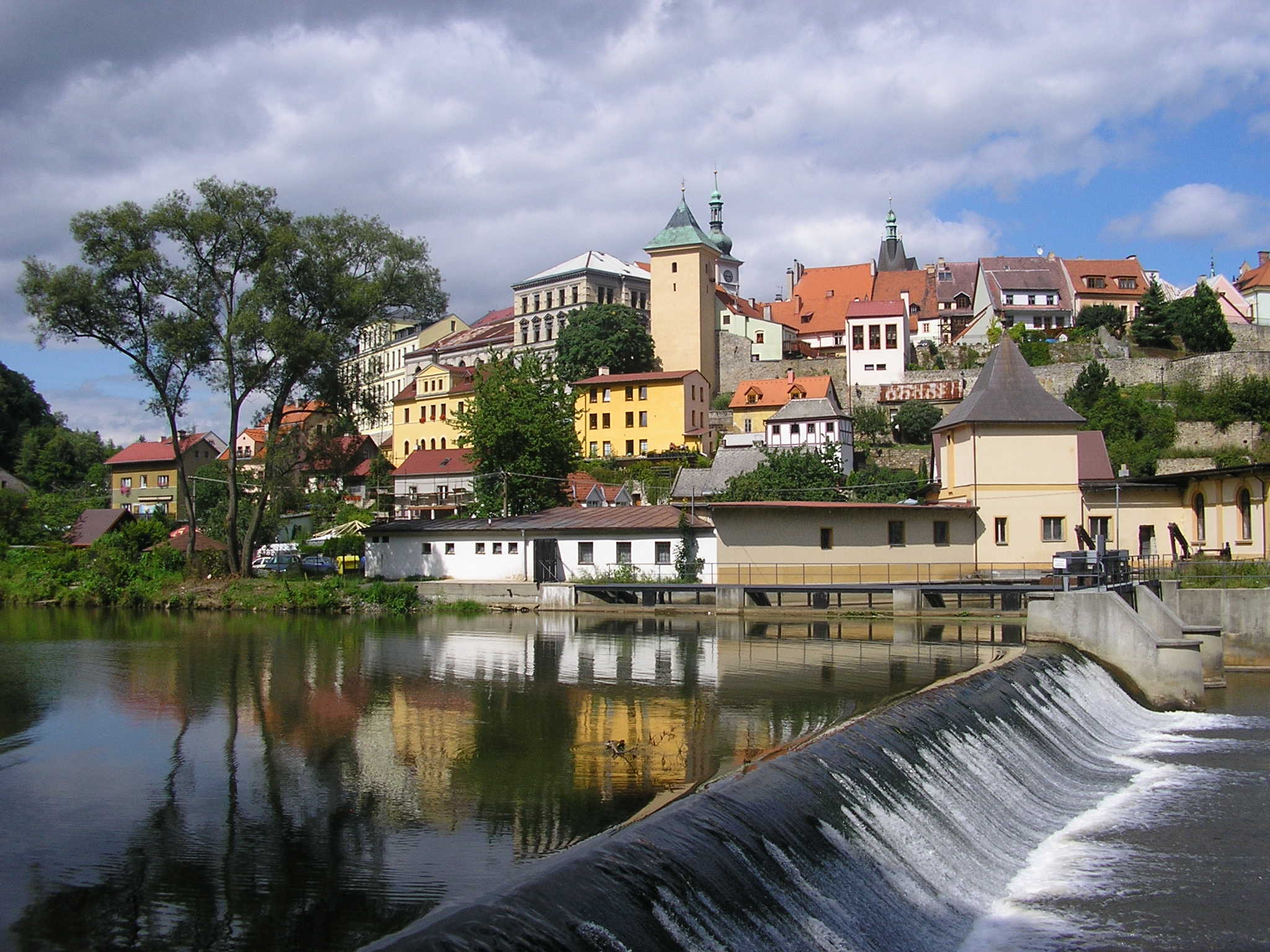 Loket, Czech Republic (Pakos - Creative Commons)