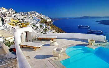 Travel + Leisure: Santorini Ranks First in Top-10 Islands Category
