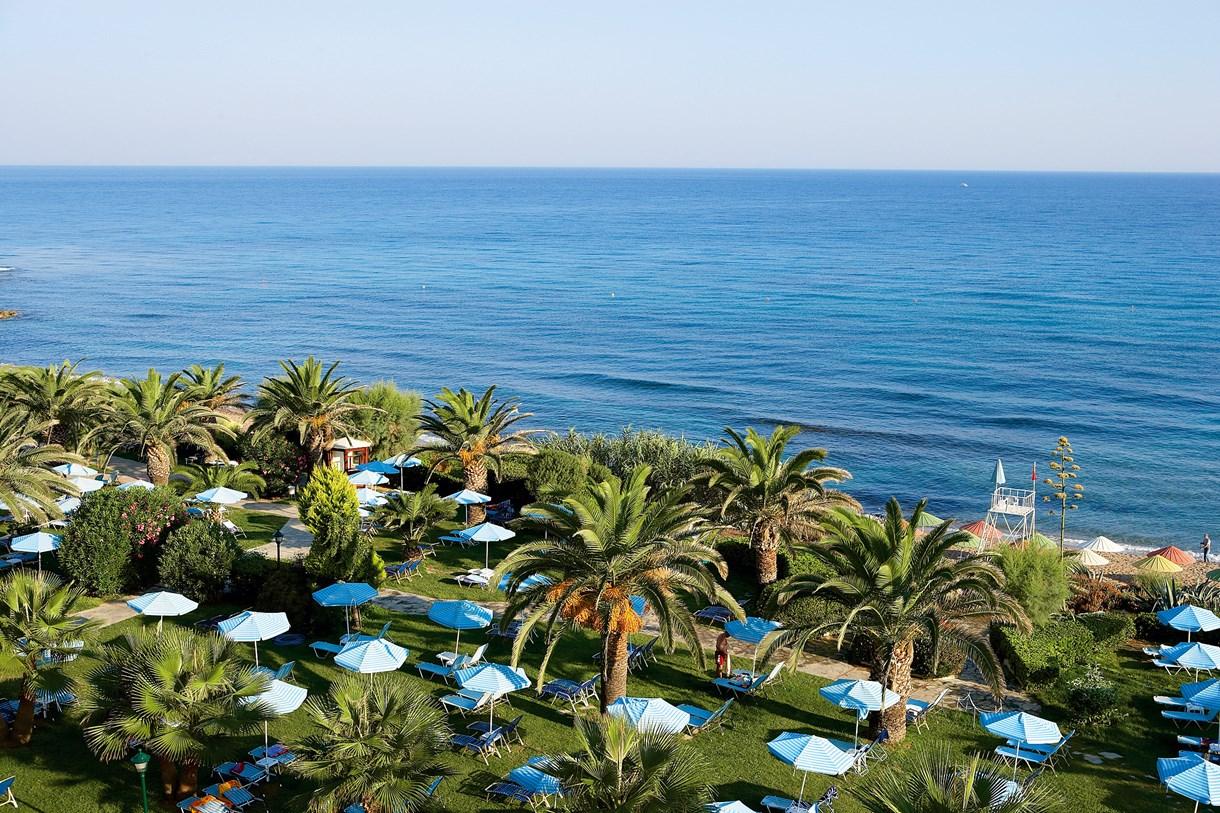 The lush grounds of Creta Star resort