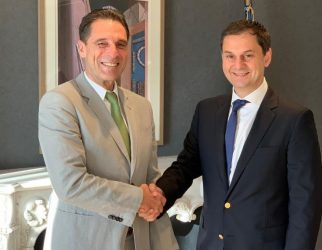 Peter Fankhauser with Greek Tourism Minister Haris Theoharis