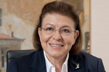 Lina Mendoni